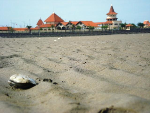 Keindahan Wisata Tuban Laut Kambang Putih Taman Kab