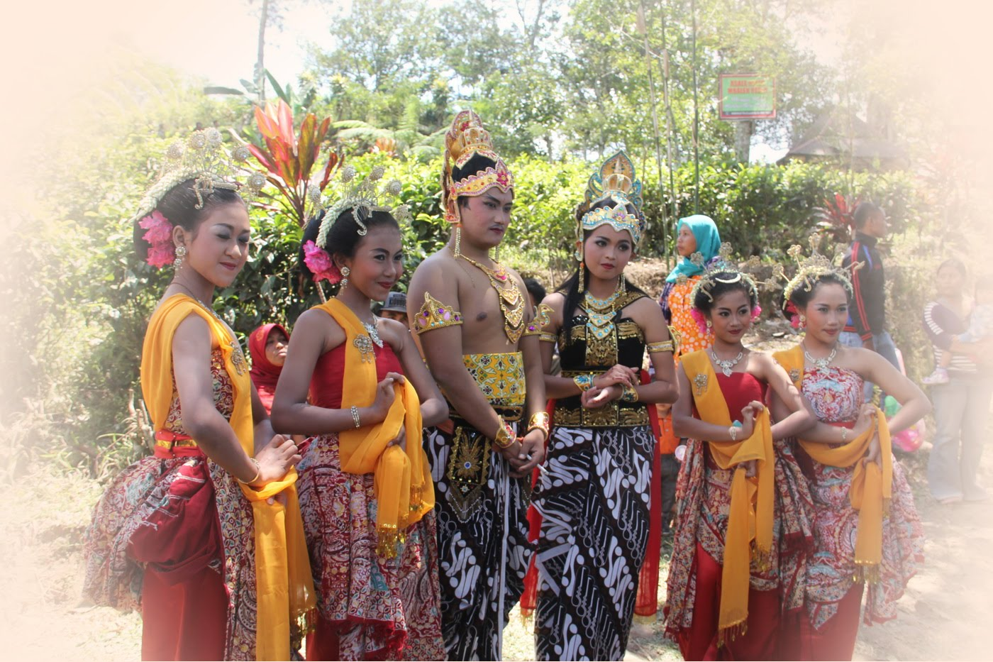 Traditional Dance Tari Gambyong Youtube Candi Penampihan Kab Tulungagung