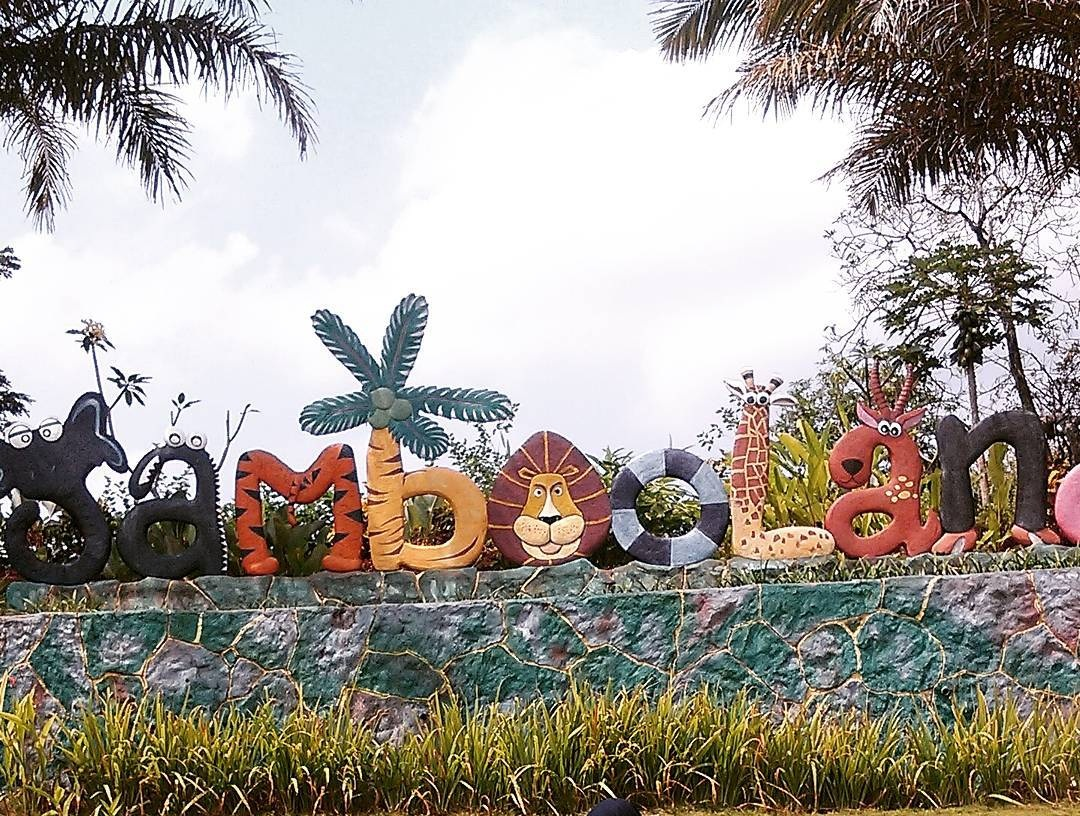 Objek Wisata Jambooland Waterpark Tulungagung Kacamatawisata Memiliki Tema Sebuah Tersebut