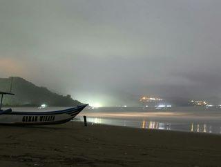 Tulungagungku Instagram Posts Deskgram Indahnya Suasana Malam Hari Pantai Gemah