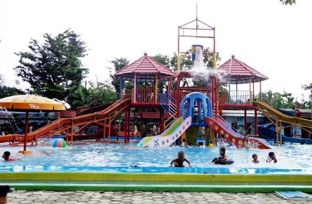 18 Tempat Wisata Blora Jawa Tengah Terkenal Taman Sabrini Water