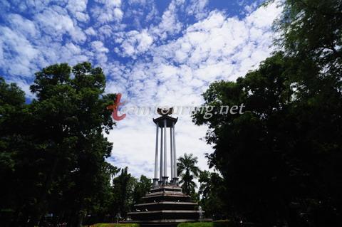 Wajah Alun Tulungagung Teamtouring Tugu Pancasila Taman Aloon Kab