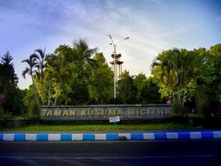2012 08 26 Zona Politika Taman Kusuma Wicitra Tulungagung Ngrowo