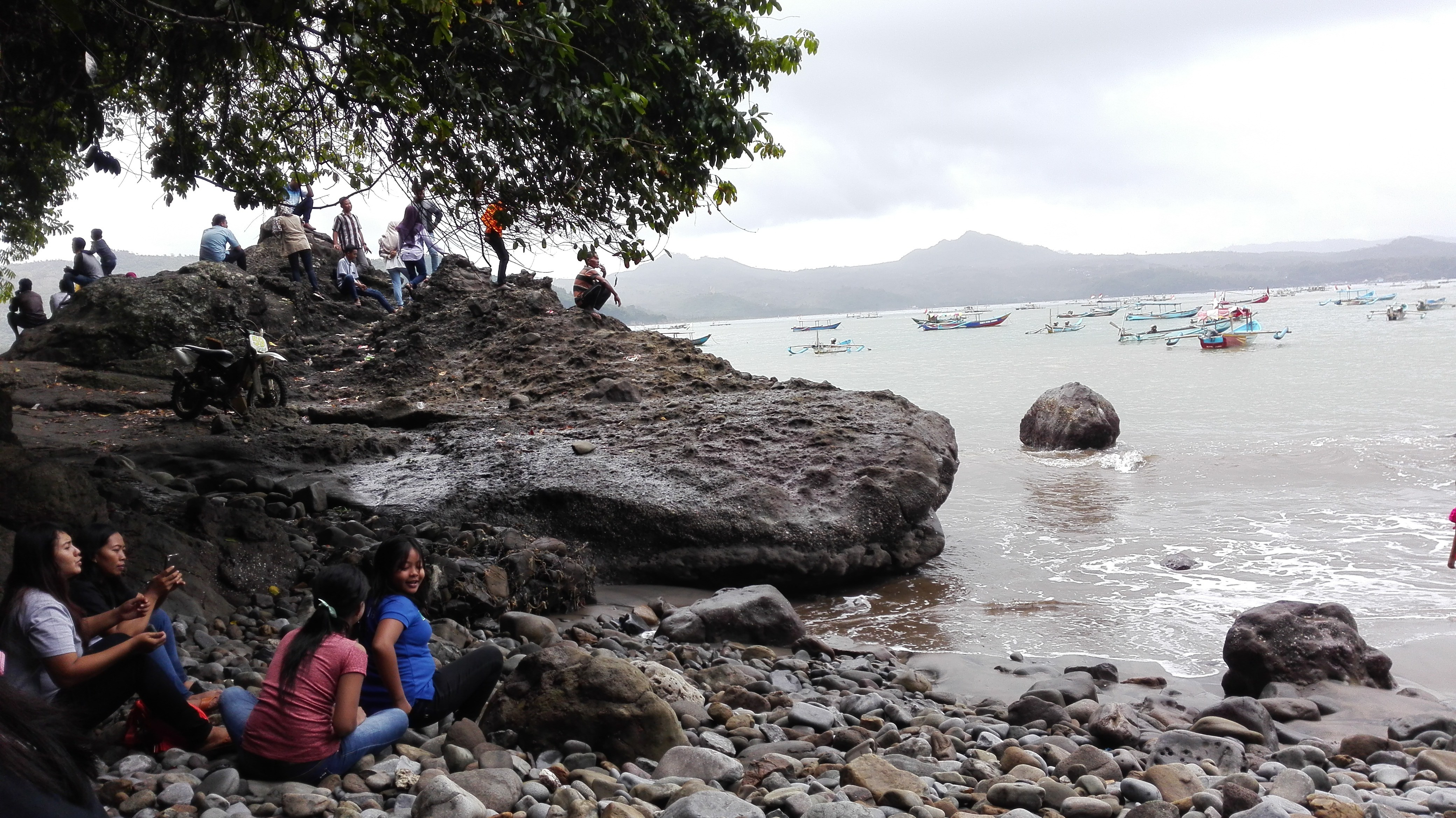 Taman Surga Ngrowo Tulungagung Kawan Berita Wisata Pantai Klatak Kab