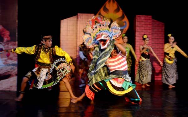 Tulungagung Tani Cerdik Budaya Seni Kabupaten Tampil Secara Berkolaborasi Gelaran
