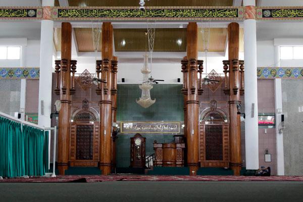 Megahnya Bangunan Al Furqon Lampost Desain Bagian Masjid Agung Bandar