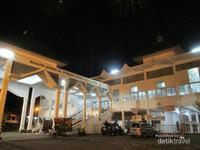 Wisata Masjid Agung Al Furqon Kebanggaan Warga Lampung Suasana Luar