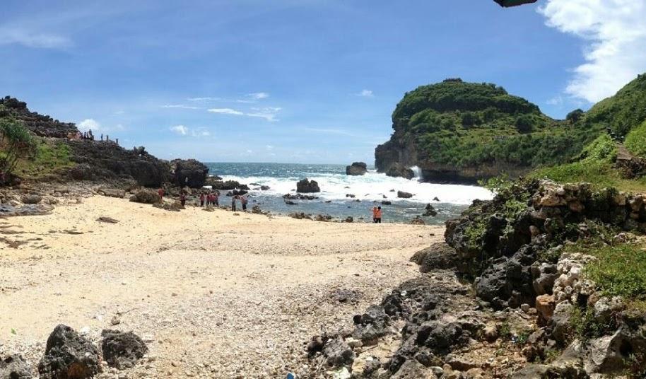 12 Desember 2017 Pesona Wonogiri Ayo Dolan Halaman 2 Pantai