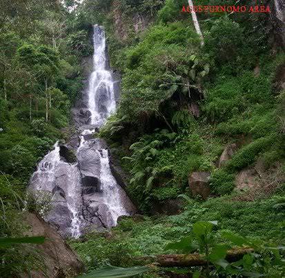 Randusari Ngadirojo Obyek Wisata Wonogiri Jawa Tengah Setren Girimanik Terletak