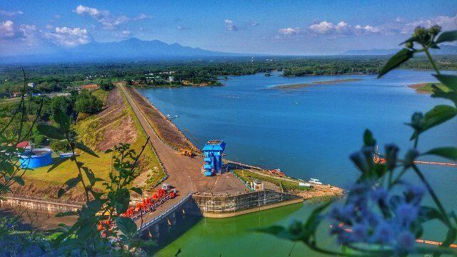 Tempat Wisata Wonogiri Terbaru Hobiholiday Waduk Gajah Mungkur Arena Papan