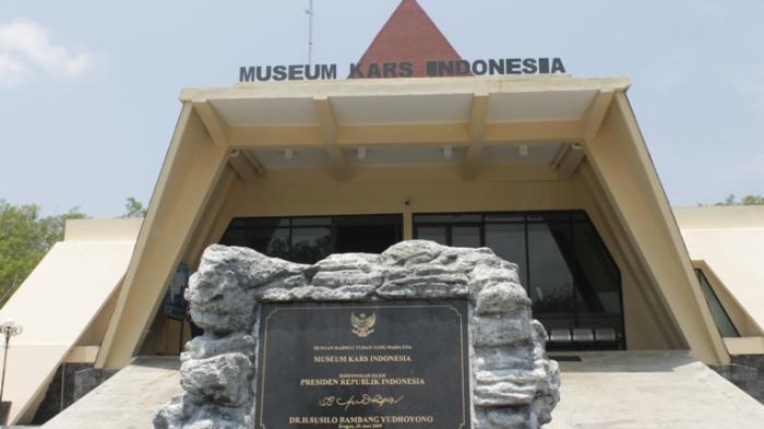 Berkunjung Museum Karst Wonogiri Dunia Kab