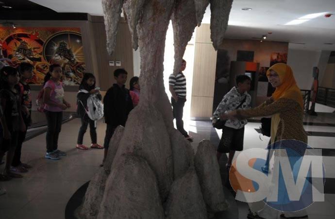 Luweng Museum Karst Dibuka Suaramerdeka Cyber News Memberi Penjelasan Petugas
