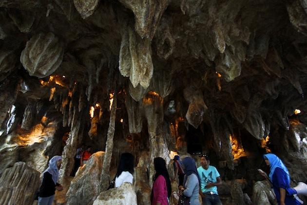 Mengenal Stalaktit Pracimantoro Travelon Wego Indonesia Museum Karst Dunia Kab