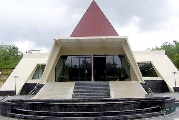 Pesona Keindahan Objek Wisata Museum Karst Dunia Gebangharjo Wonogiri Jawa