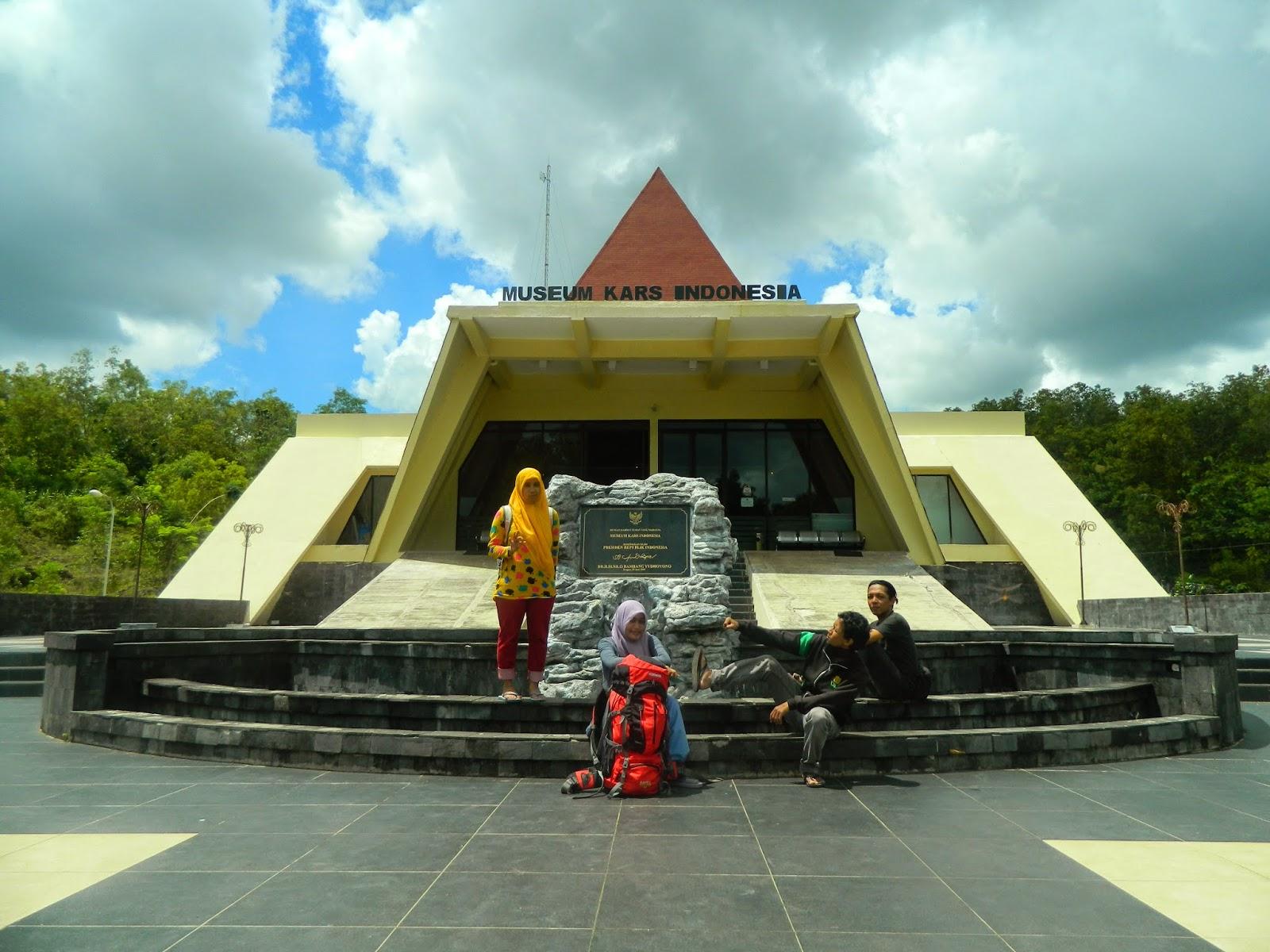 Sangpetualang Ngetrip Pacitan Mampir Dahulu Museum Karst Indonesia Terletak Desa
