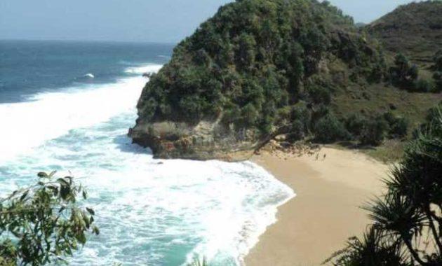 10 Foto Pantai Nampu Paranggupito Wonogiri Rute Sukoharjo Dilihat Jalan