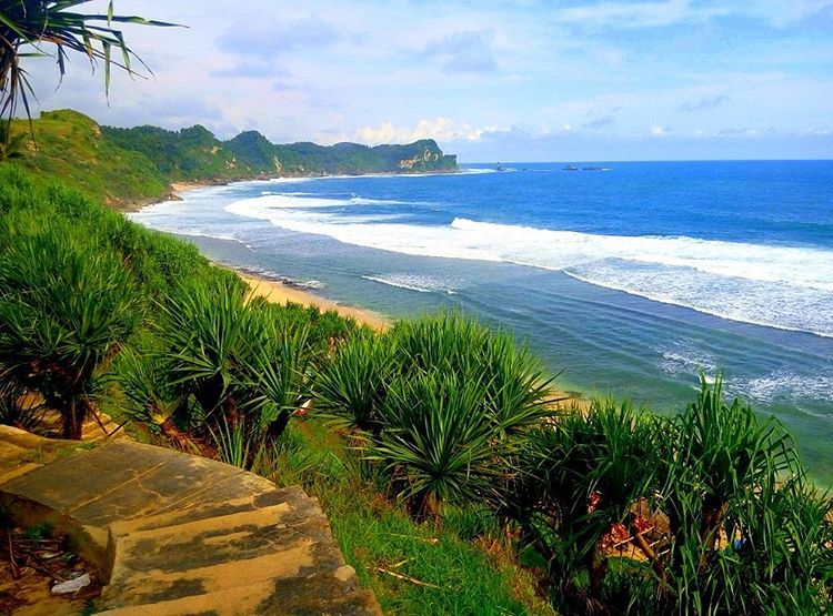 5 Pantai Terindah Wonogiri Kamu Kunjungi Wisata Indah Nampu Kab