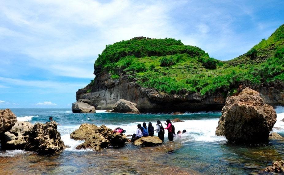 5 Pantai Wonogiri Popular Kunjungi Wisata Tanahair Nampu Kab