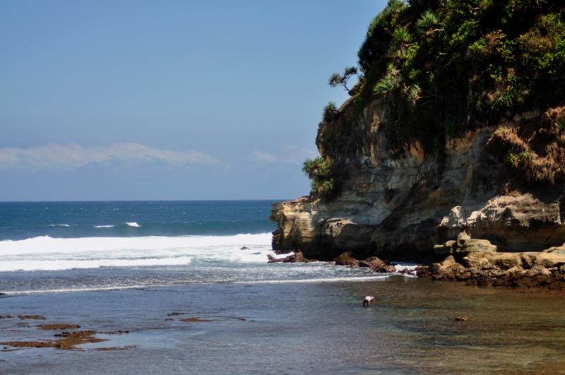 Ayo Piknik Pantai Nampu Wonogiri Wisata Yogyakarta Kab
