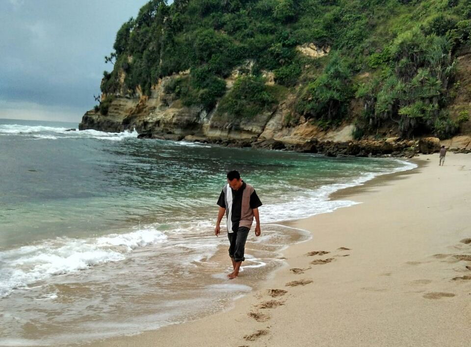Dilema Pemkab Wonogiri Kembangkan Wisata Pantai Nampu Catatan Mas Hadi