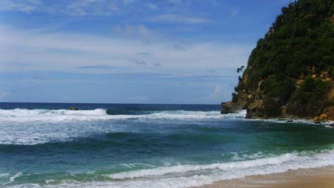 Keindahan Alam Pantai Nampu Wonogiri Viva Image Title Photo Report