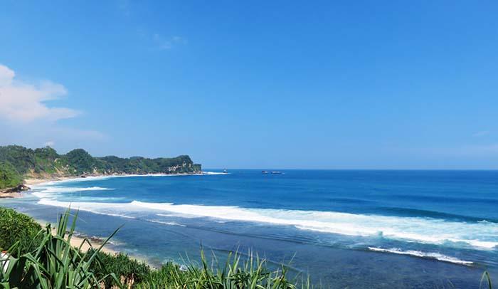 Nampu Keindahan Tak Lekang Oleh Waktu Menggapai Angkasa Pantai Paranggupito