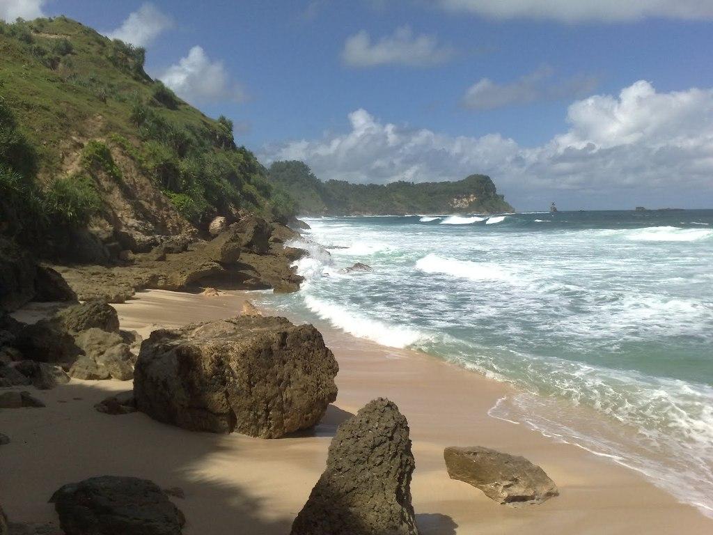 Pantai Nampu Indah Wonogiri Jawa Tengah Tenggah Kab