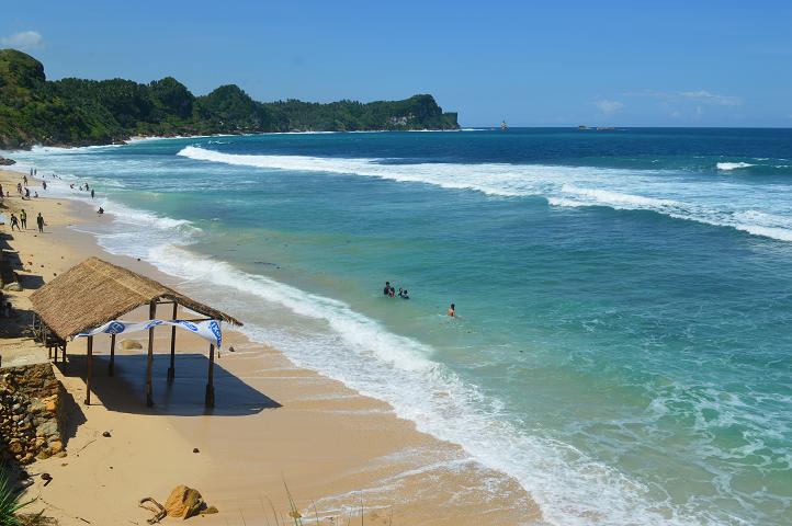 Pantai Nampu Secuil Surga Perbatasan Berita Feature Generasi Muda Indahnya