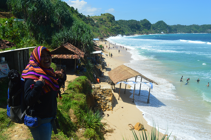 Pantai Nampu Secuil Surga Perbatasan Berita Feature Generasi Muda Keceriaan