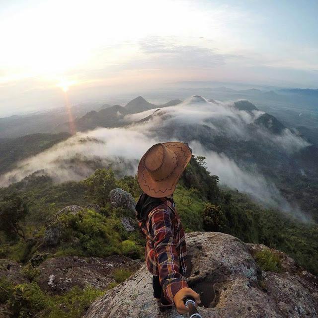 Top 22 Tempat Wisata Wonogiri Wajib Dikunjungi Foto Bukit Cumbri