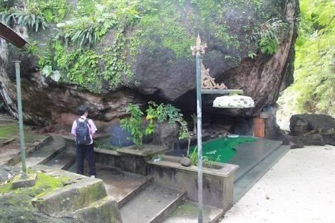 Wisata Religi Kahyangan Plukme Spiritual Kab Wonogiri