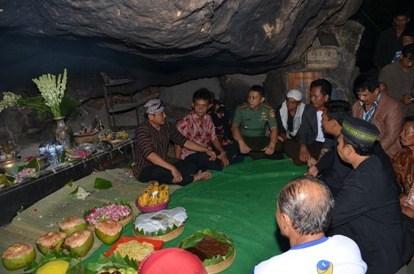 Wisata Spiritual Kahyangan Kabupaten Wonogiri Indonesia Jawa Tengah Wisataarea Kab