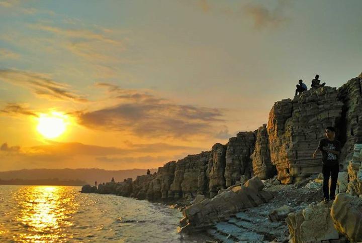 Sejarah Kebudayaan Tersembunyi Lubang Sewu Wadaslintang Sebuah Destinasi Wisata Unggulan