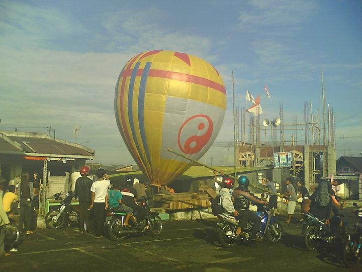Balon Udara Lebaran Wonosobo Tradisi Tiada Duanya Oleh Ay Satriya