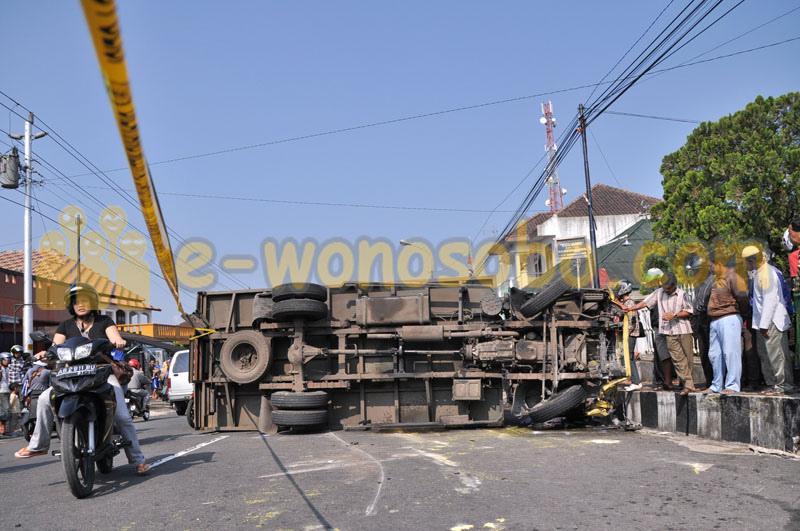 Kecelakaan Karambol Satu Tewas Wonosobo Turunan Tajam Flickr Ewonosobo Pasar