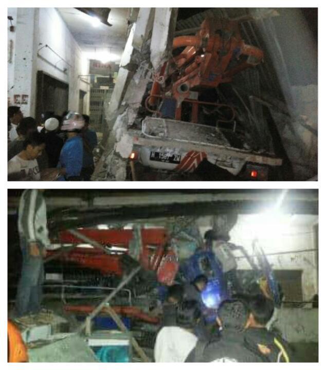 Truck Pengecor Beton Tabrak Pasar Kertek 4 Jadi Korban Baca