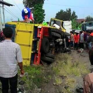 Video Kecelakaan Maut Kembali Terjadi Jalan Raya Kertek Parakan Selasa