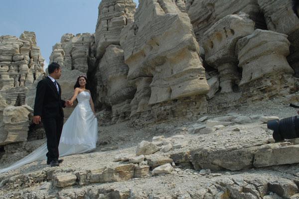 5 Destinasi Wisata Romantis Wonosobo Jadiberita Lubang Sewu Wadaslintang Puncak