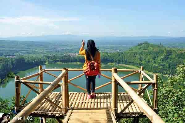 Bukit Seroja Telaga Menjer Dieng Wonosobo Lokasi Harga Tiket Wisata