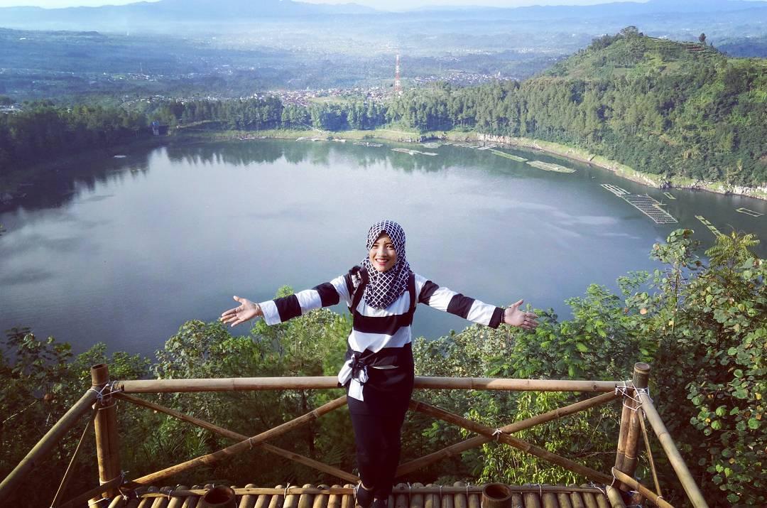Bukit Seroja Wonosobo Pemandangan Gunung Sindoro Telaga Menjer Kebuh Teh