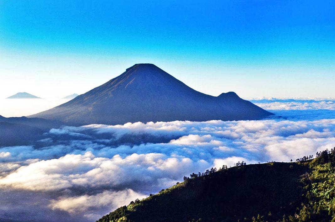 Bukit Sikunir Dieng Wonosobo Golden Sunrise Terindah Indonesia Puncak Seroja