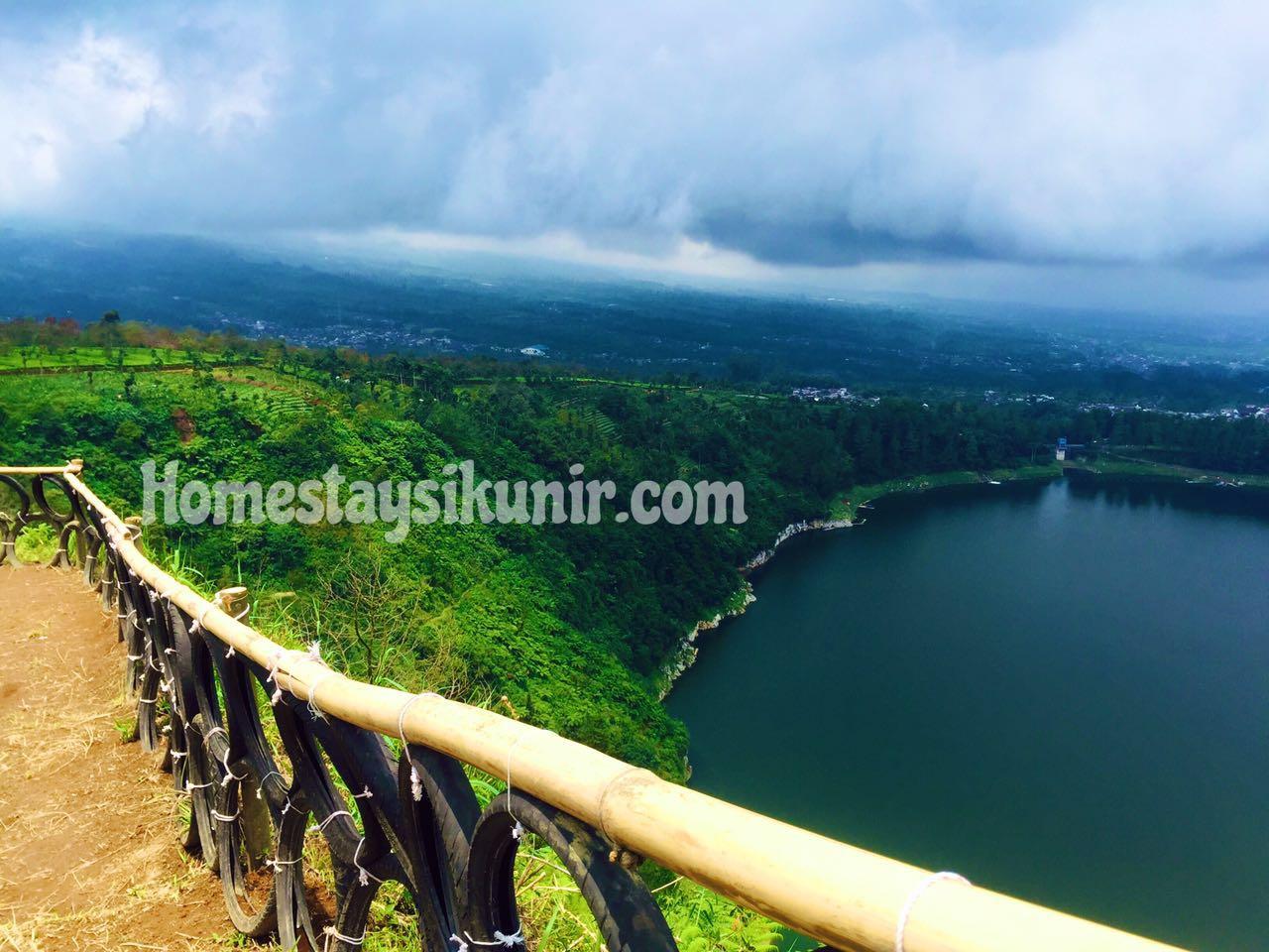 Bukit Telaga Menjer Homestay Penginapan Sikunir Dieng Gunung Sindoro Tampaklah