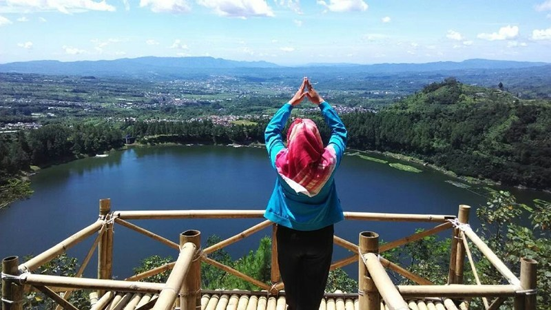 Pemandangan Atas Bukit Seroja Tepat Telaga Menjer Wonosobo Puncak Kab