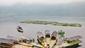 Wisata Alam Bukit Lembah Seroja Wonosobo Pesona Telaga Menjer Puncak
