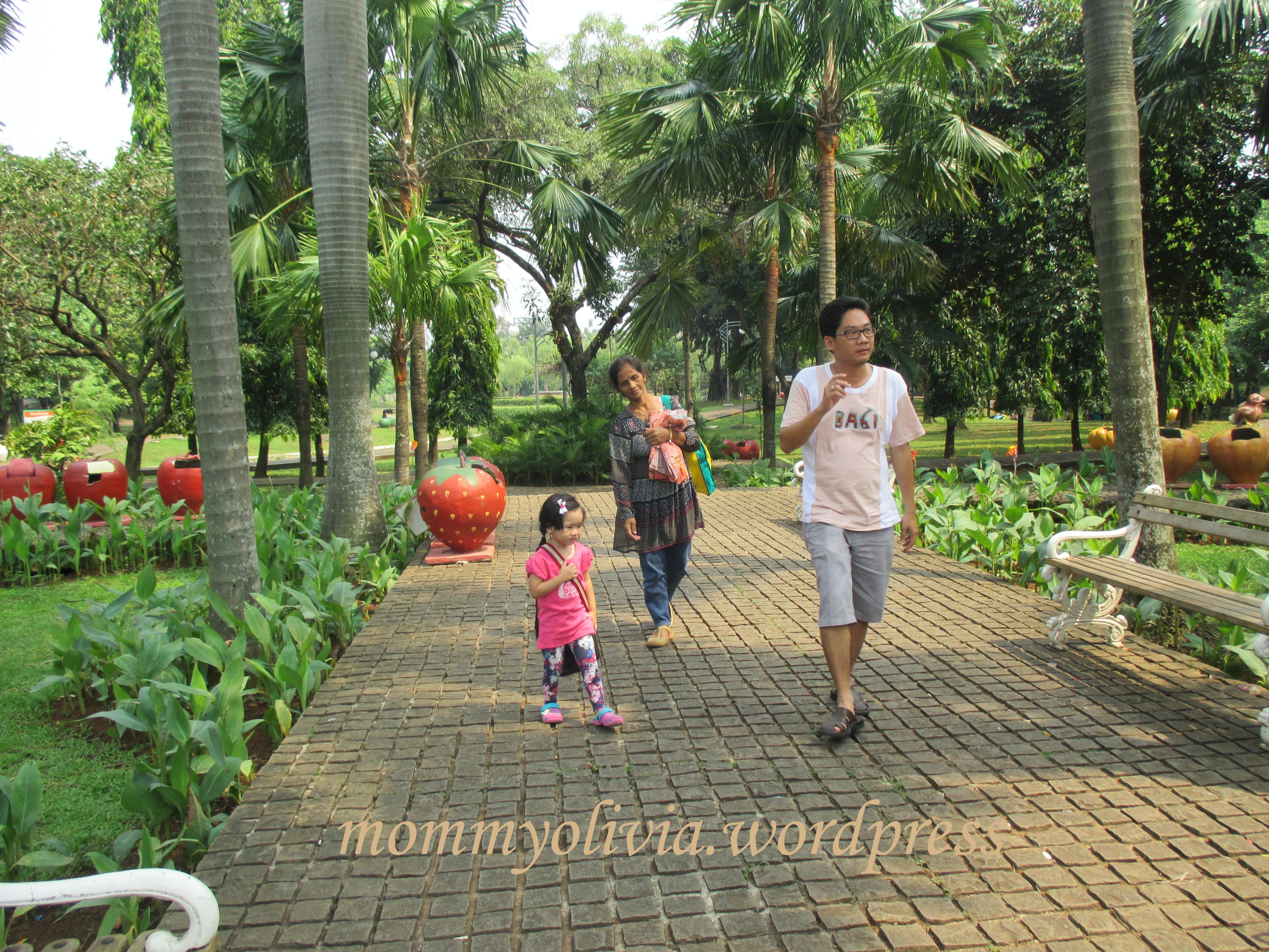 Piknik Taman Cattleya Tomang Simple Note Jalan Hutan Kota Srengseng