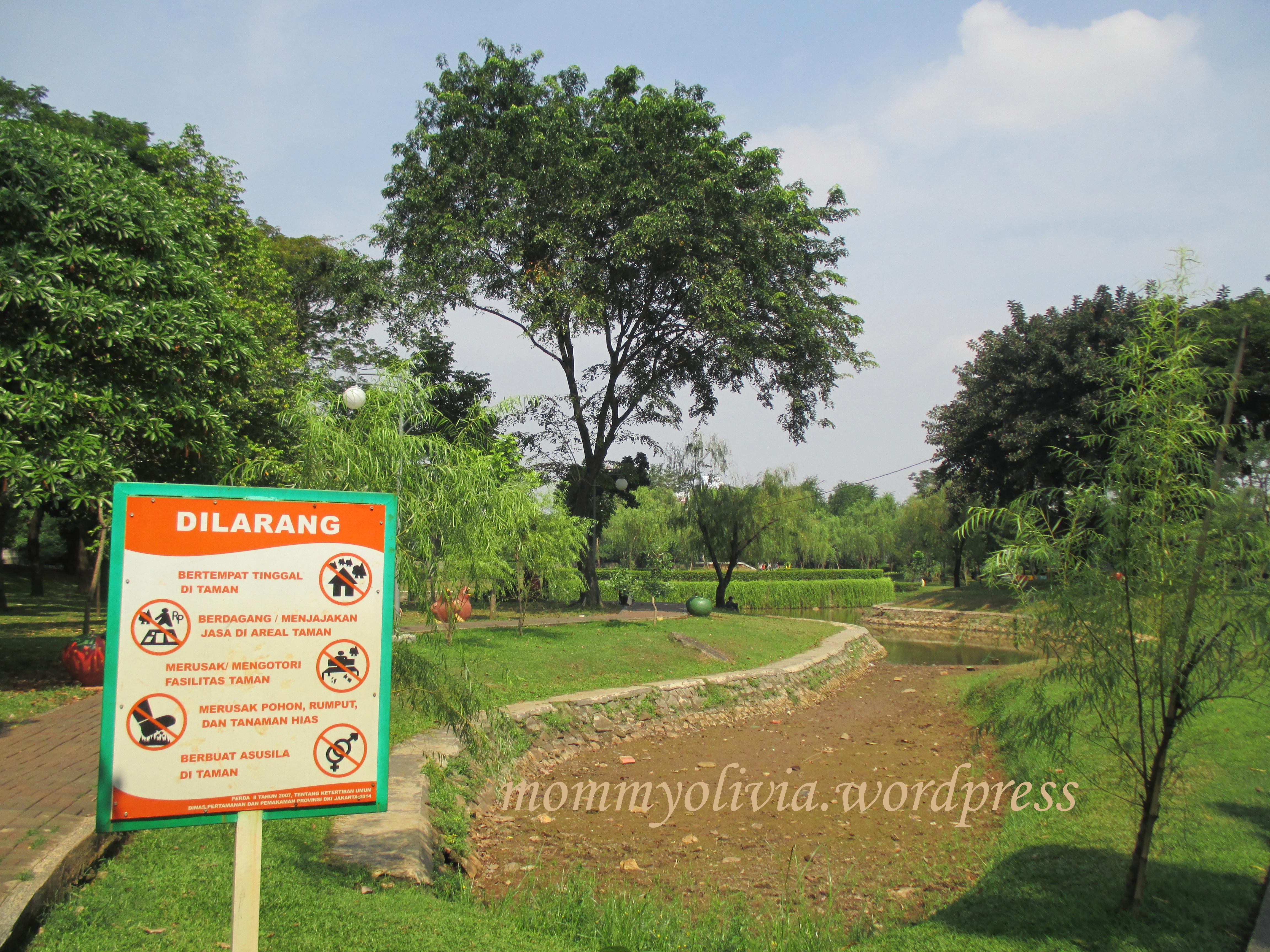 Piknik Taman Cattleya Tomang Simple Note Papan Hutan Kota Srengseng