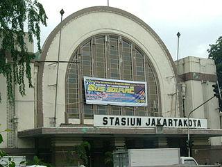 Stasiun Jakarta Kota Wikipedia Bahasa Indonesia Ensiklopedia Bebas Galeri Sunting