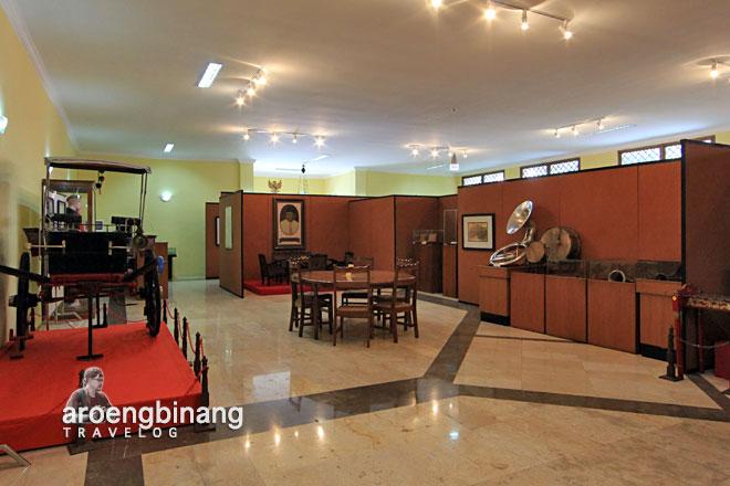 Aroengbinang Museum Jakarta Gajah Nasional Indonesia Kota Administrasi Barat