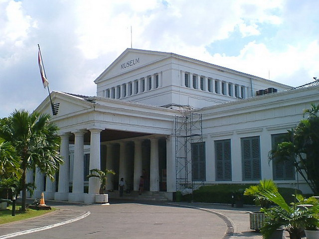 Batavia Arie Saksono Page 2 Museum Nasional Ri Jakarta Gajah