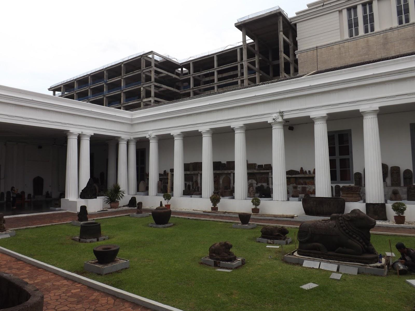 Hanriryn February 2017 Taman Praserajah Museum Nasional Gajah Indonesia Kota